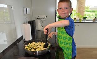 Mikkel_cooking.jpeg